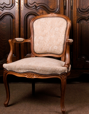 Naccarato Upholstering, LLC