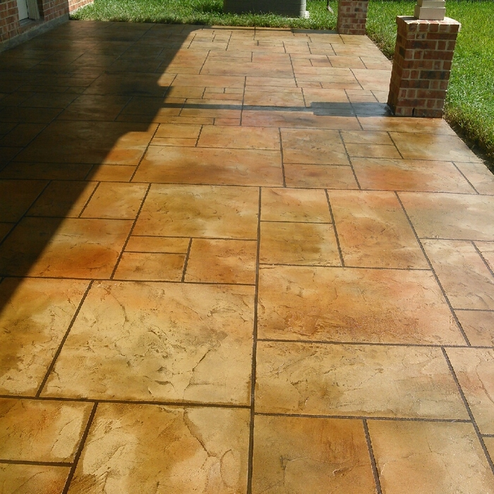 Flagstone Patio Installation Cost HomeAdvisor - Cost to lay outdoor tiles